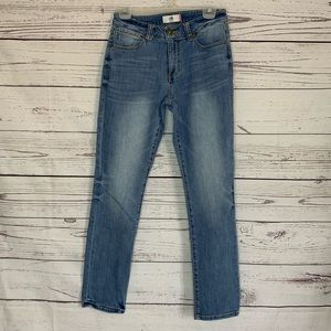 Cabi high straight light wash jeans size 4